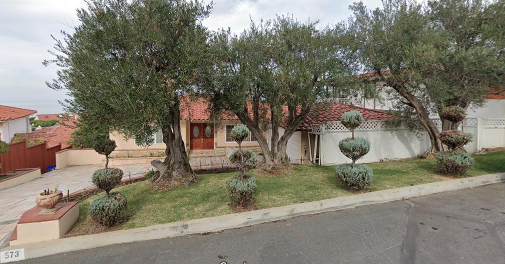Residencia en Palos Verdes supuestamente pagada con donativos a La Luz del Mundo.