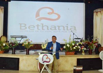 Roman Estrada pastor Bethania San Felipe