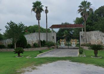 Silver Wolf Ranch, donde la familia Naasón, que lidera La Luz del Mundo, tiene un zoológico.