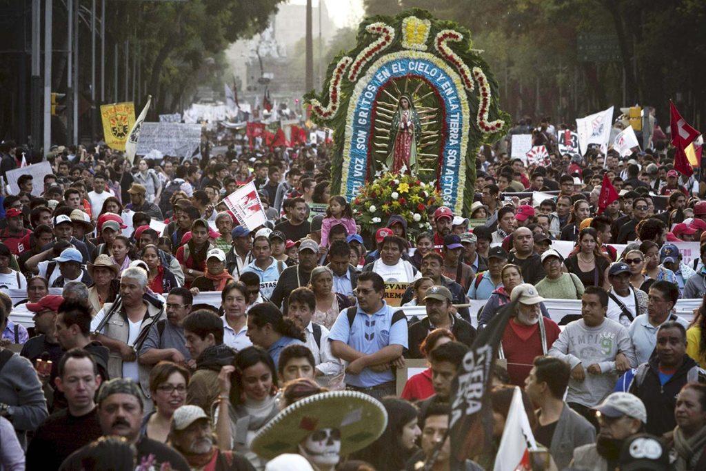 Ayotzinapa-Protests _ CRE?DITO_ Alejandro Ayala_Xinhua_Alamy Live News