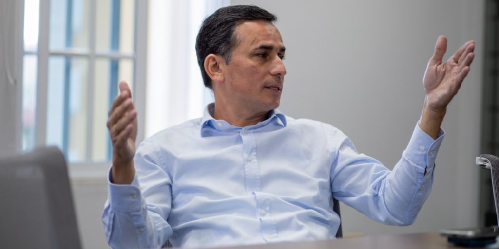 Enrique Diaz Burchard, abogado que aparece en Pandora Papers