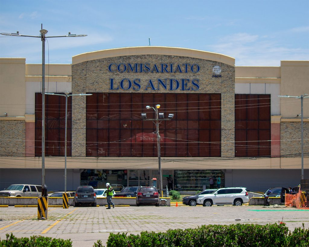 Comisariato Los Andes, supermercado de la familia Burbara en San Pedro Sula.